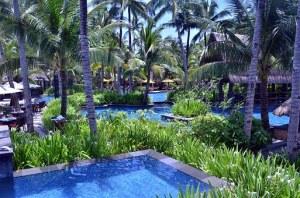 hotel-swimming-pool-1065275__340
